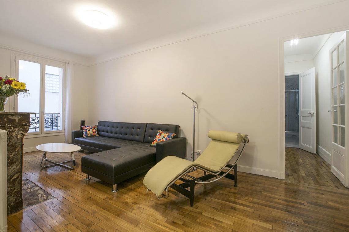 Apartment For Rent Rue De Boulainvilliers Paris Ref 15973 # Pinterest Meuble Tv