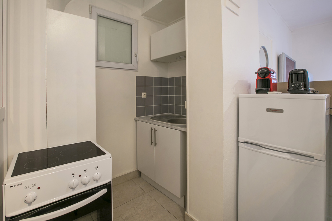 Apartment Paris Rue Dobropol 7