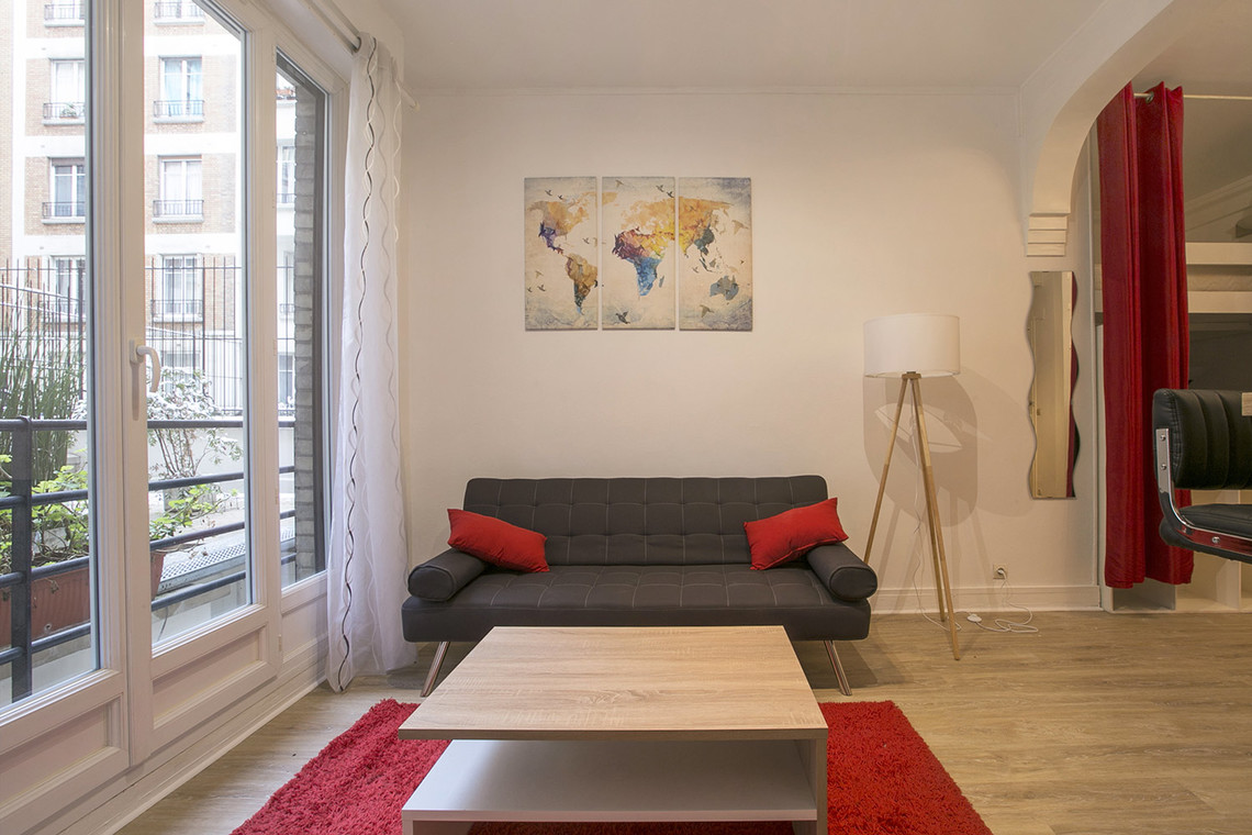 Paris Rue Dobropol Apartment for rent