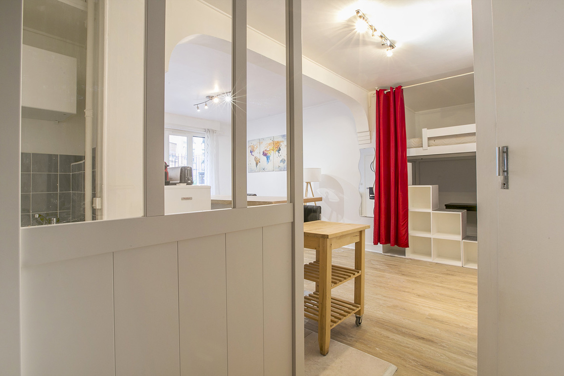 Apartment Paris Rue Dobropol 6