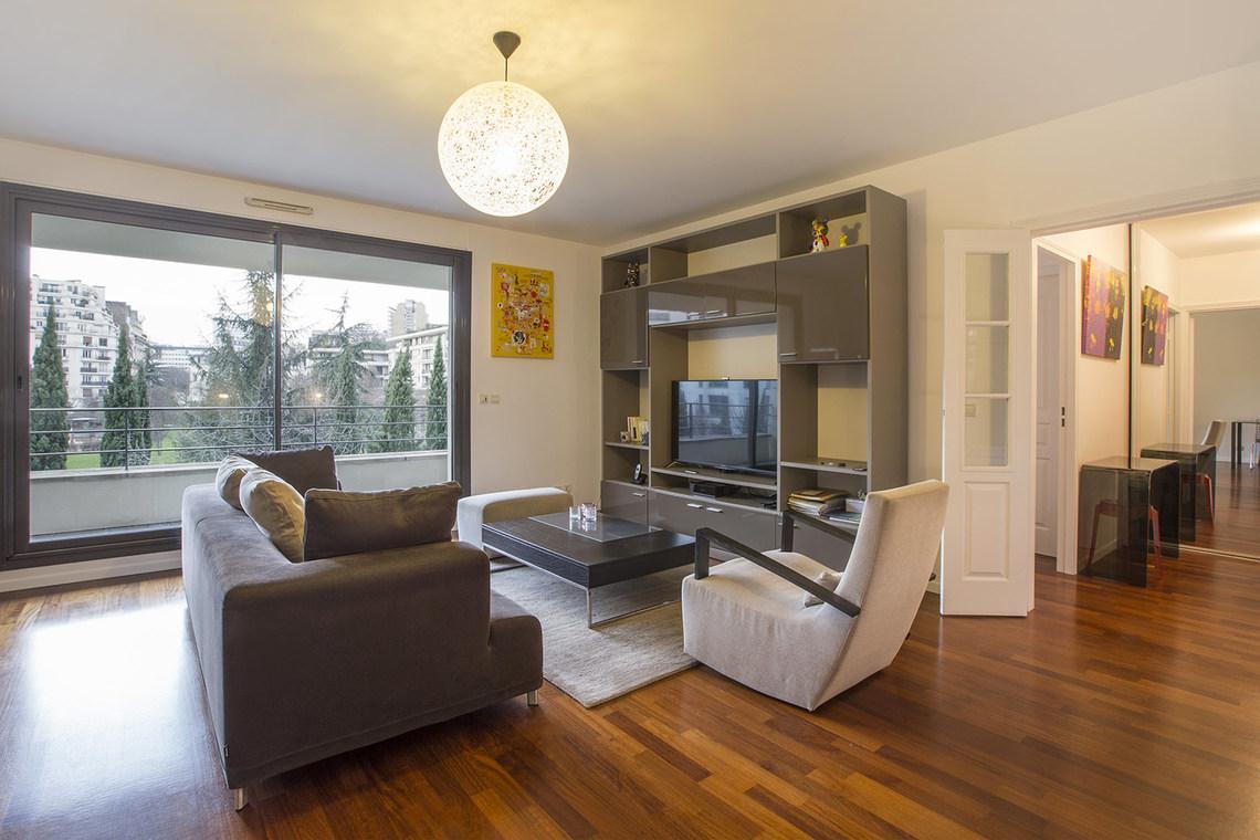 location appartement meubl rue ren boylesve paris ref 15995. Black Bedroom Furniture Sets. Home Design Ideas