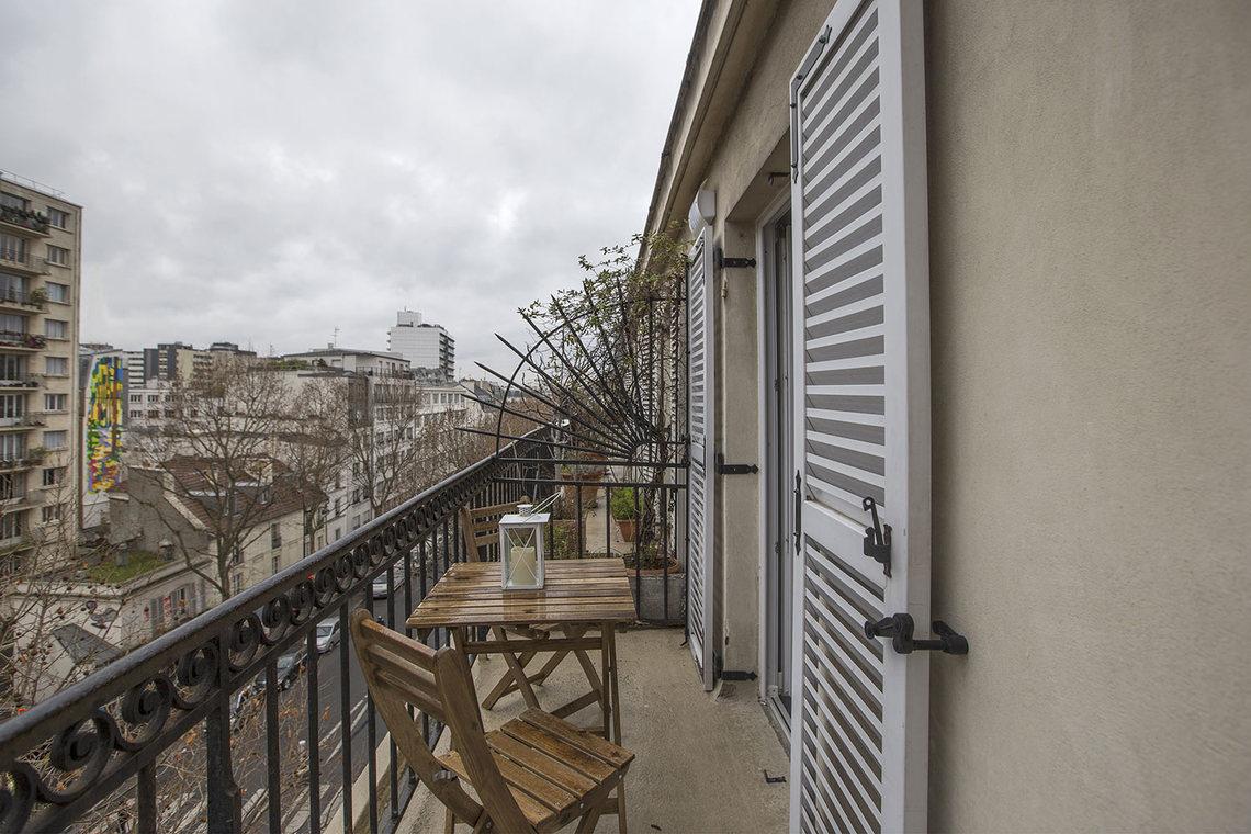 Apartment for rent rue du faubourg saint antoine paris ref 15999 - Paris rue du faubourg saint antoine ...