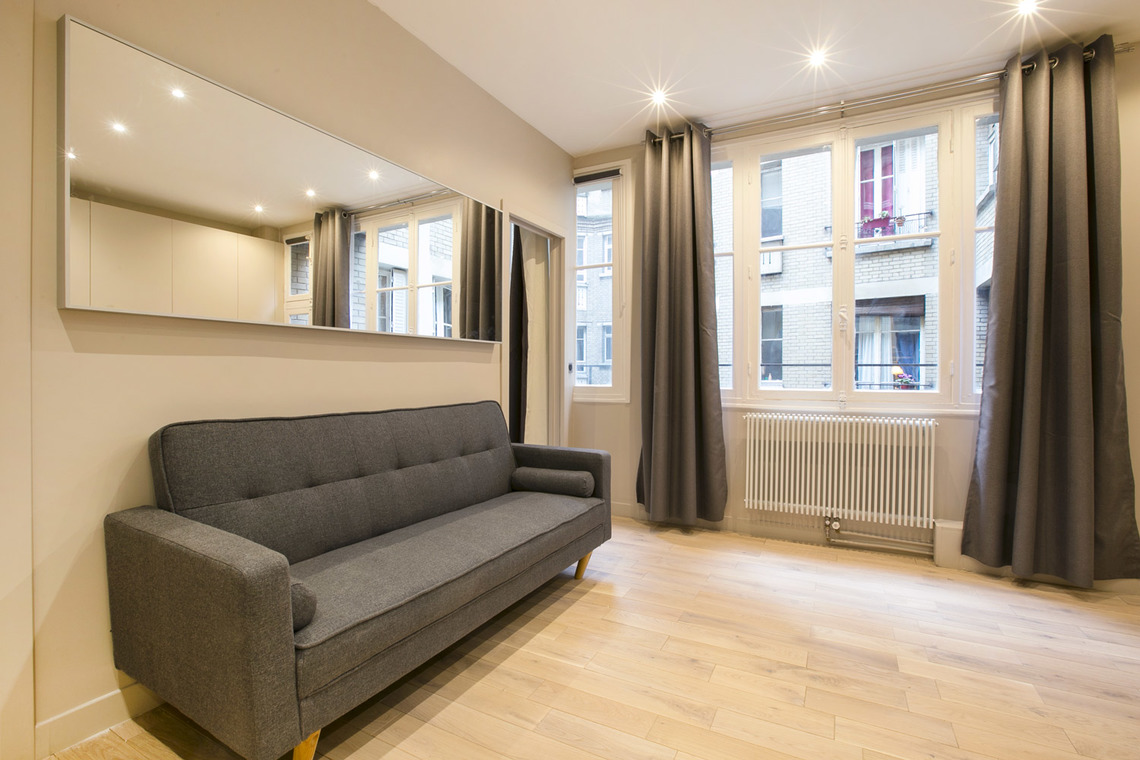 Apartment Paris Rue George Sand 2
