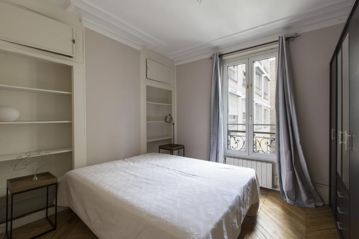 Apartment Paris Rue Brunel 11