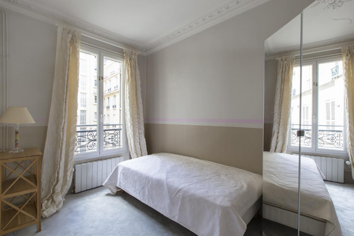 Apartment Paris Rue Brunel 17