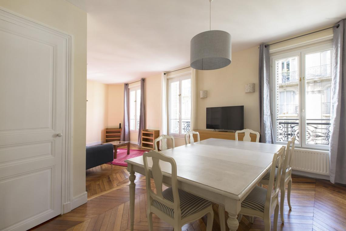 Apartment Paris Rue Brunel 4