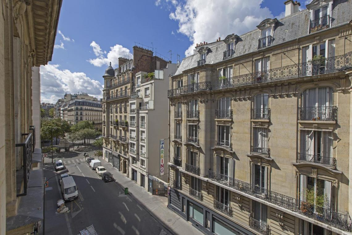 Apartment Paris Rue Brunel 5