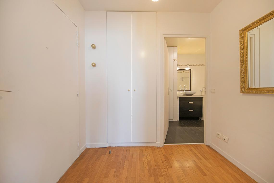 location studio meubl rue yves kermen boulogne billancourt ref 16416. Black Bedroom Furniture Sets. Home Design Ideas