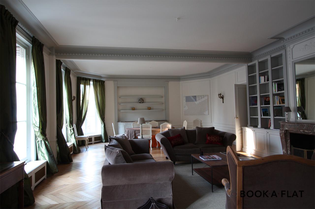 location appartement meubl rue de bellechasse paris ref 1644. Black Bedroom Furniture Sets. Home Design Ideas