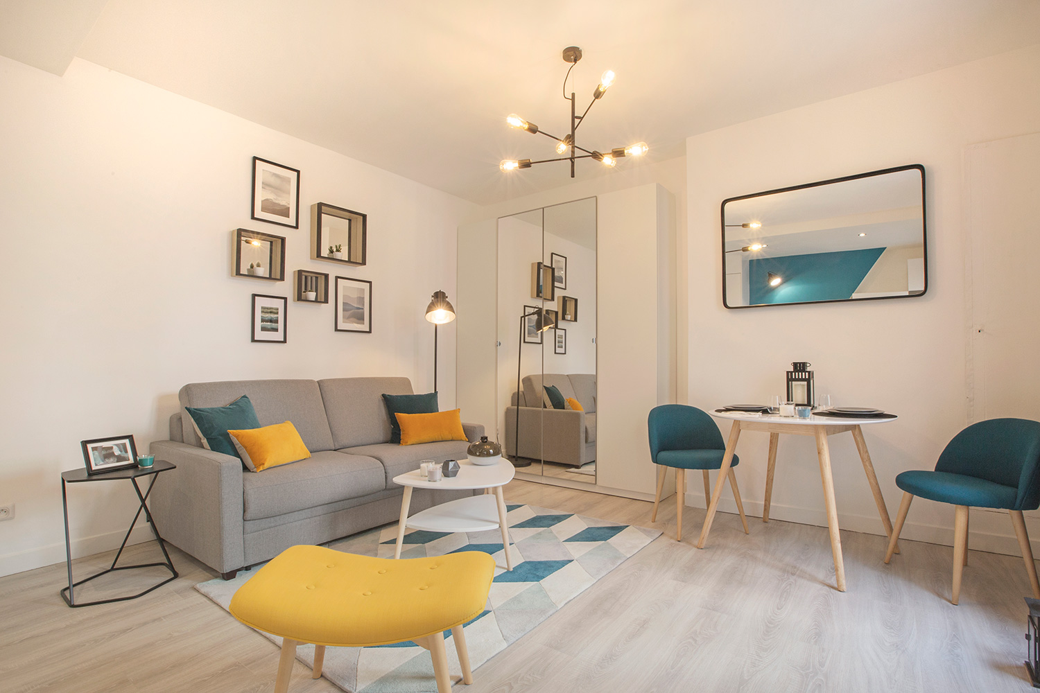 Apartment Paris rue Saint Maur