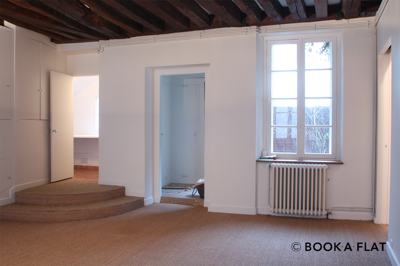 Paris Rue Amyot Apartment for rent