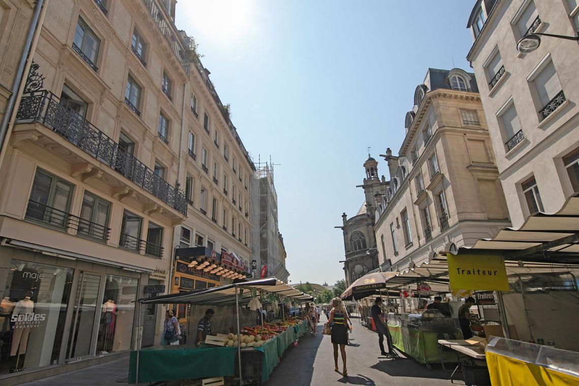 Studio For Rent Rue Montmartre  Paris
