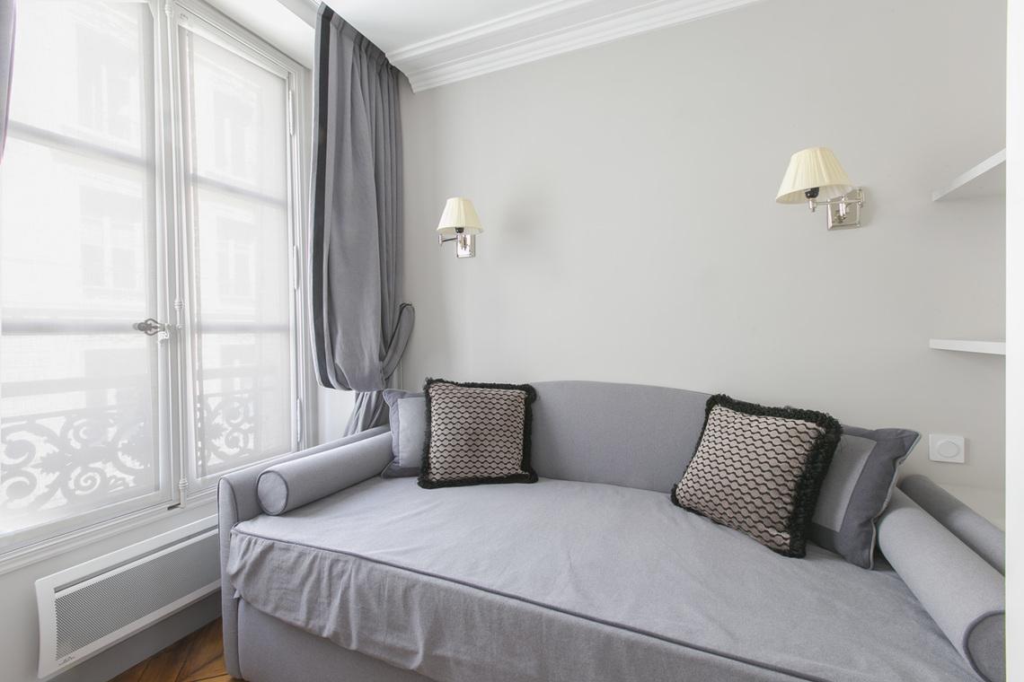 Separation Salon Chambre Studio studio for rent rue de lille, paris   ref 16867