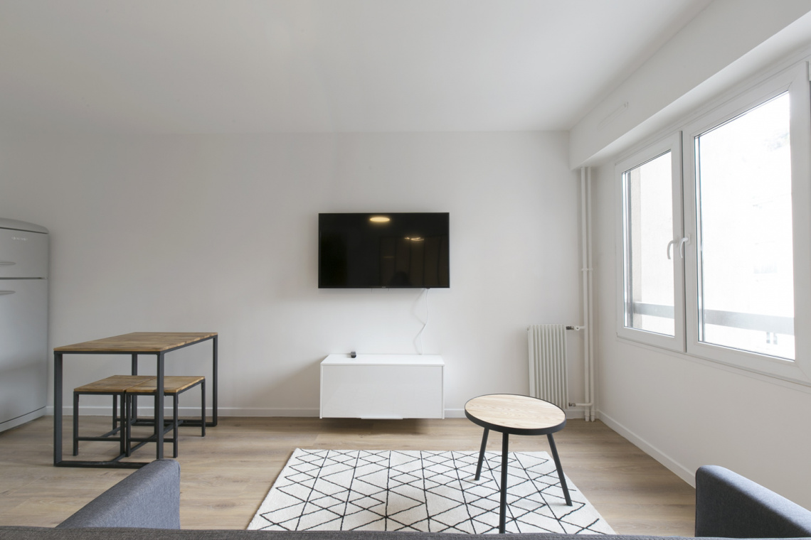 Apartment Paris Rue Championnet 5