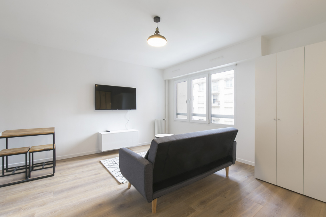 Paris Rue Championnet Apartment for rent