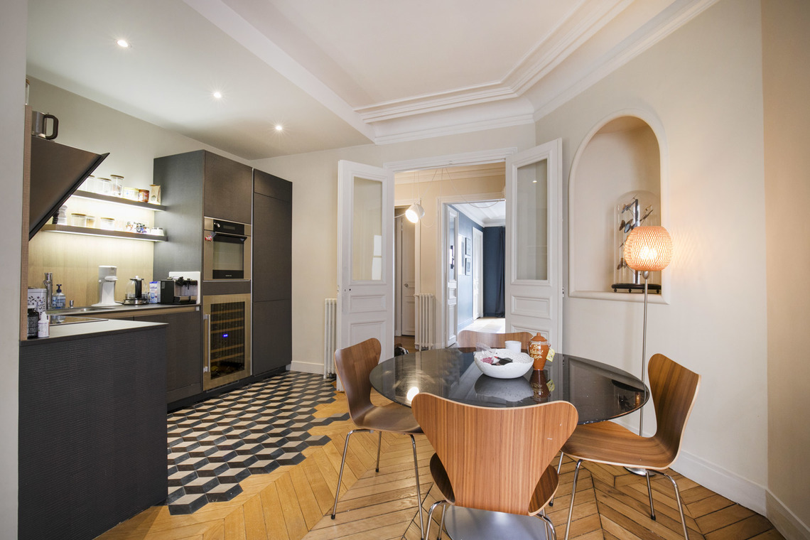 Apartment Paris Rue de Turbigo 8