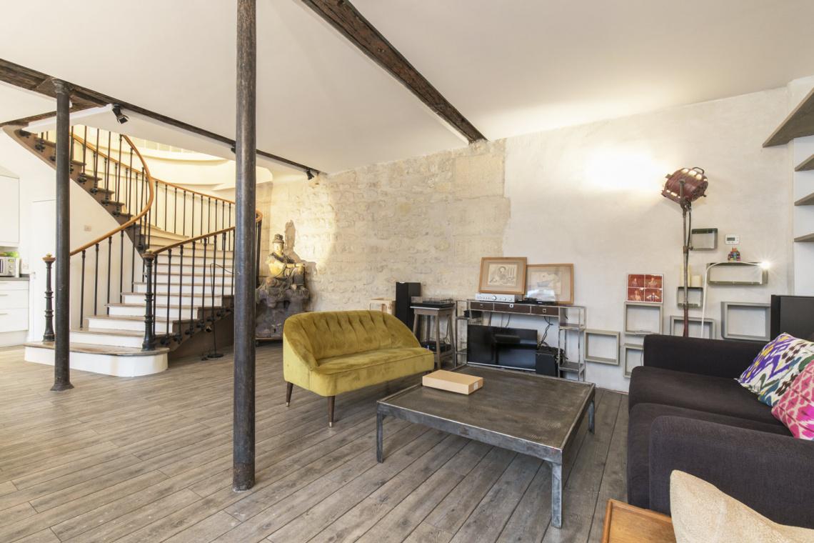 location appartement meubl rue du bouloi paris ref 17372. Black Bedroom Furniture Sets. Home Design Ideas