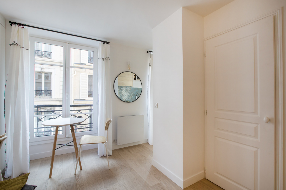 Apartment Paris Rue des Dames 4