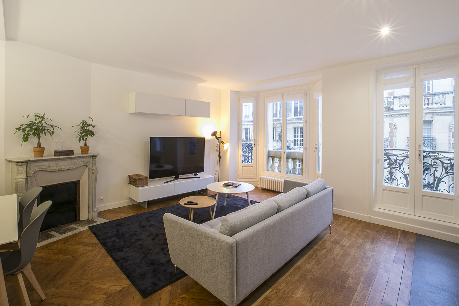 Apartment Paris rue Mizon