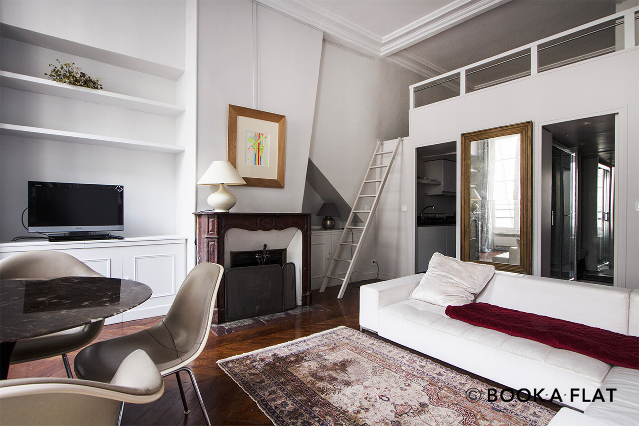 Apartment Paris Quai Voltaire 4