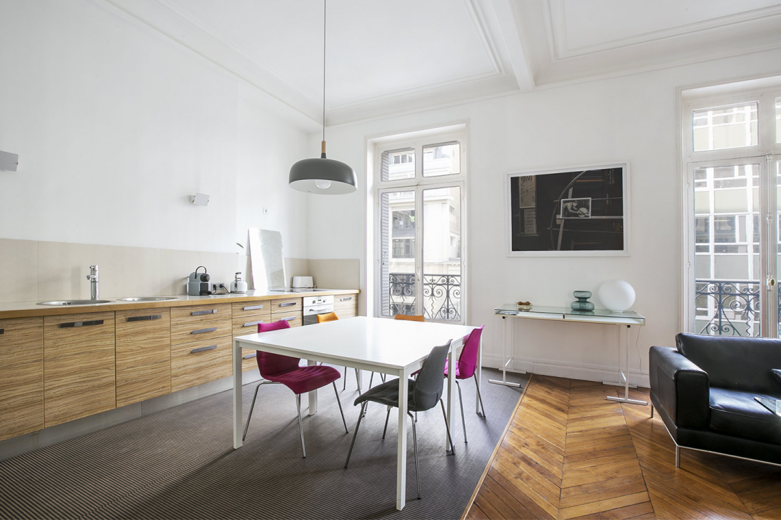 Apartment Paris Rue de la Baume 5