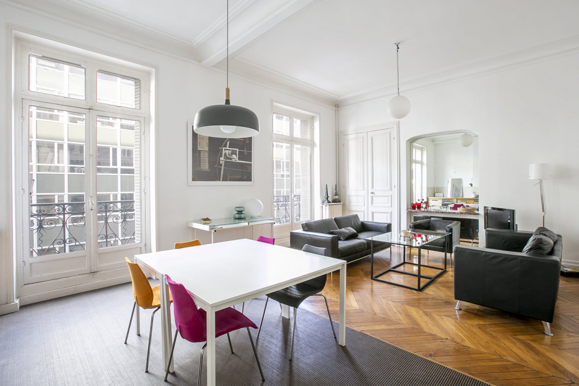 Apartment Paris Rue de la Baume 3
