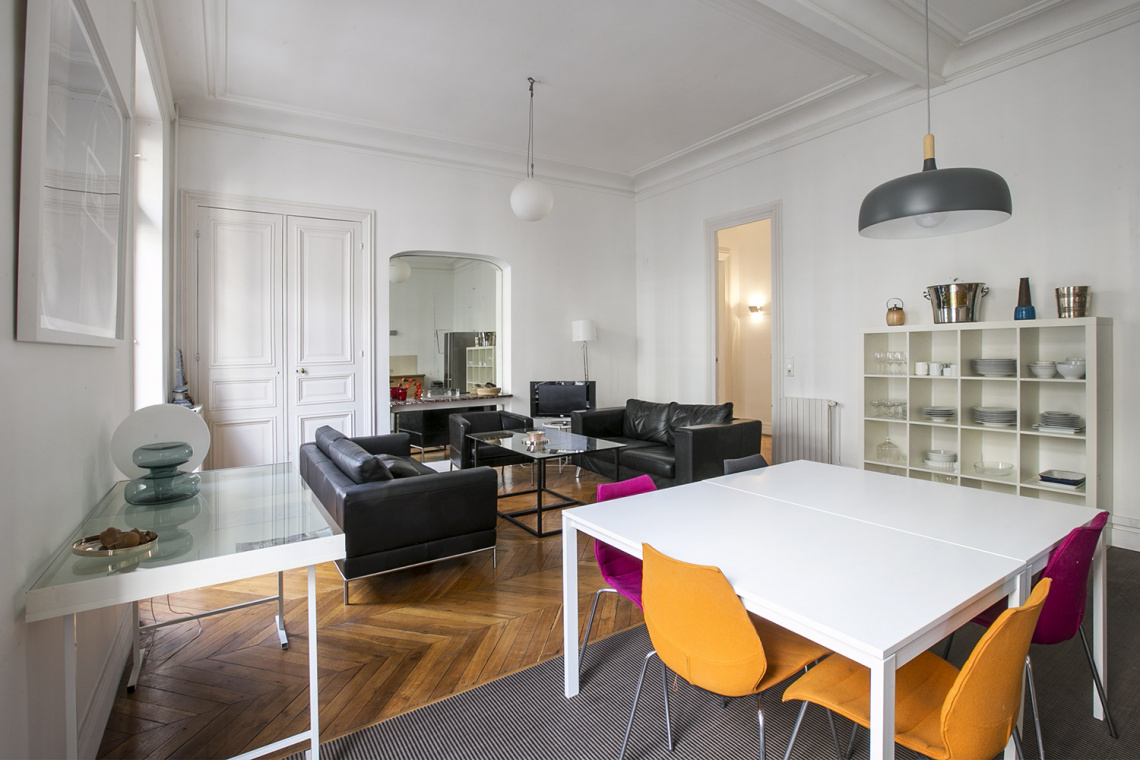 Apartment Paris Rue de la Baume 4