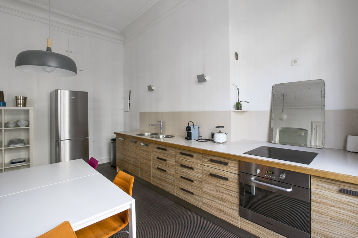 Apartment Paris Rue de la Baume 6