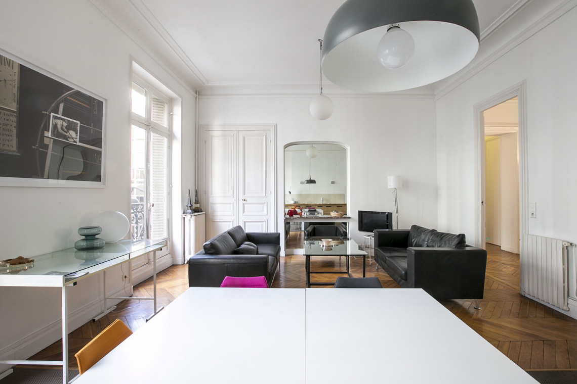 Apartment Paris Rue de la Baume 7