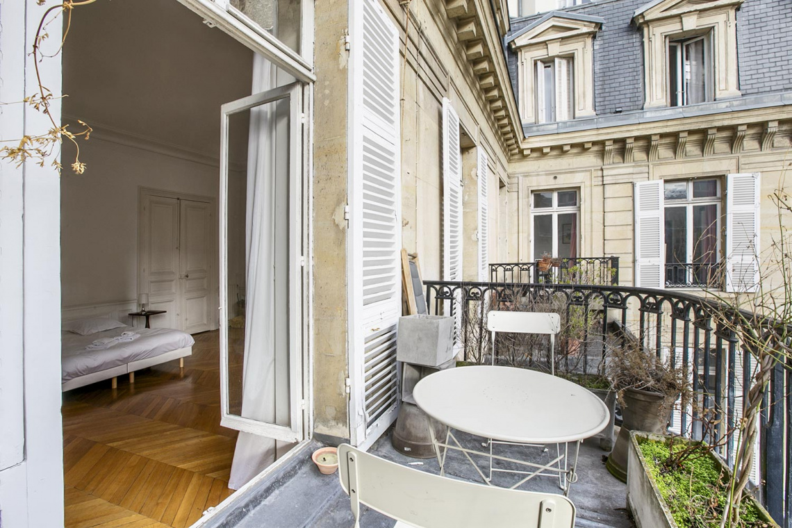 Apartment Paris Rue de la Baume 15