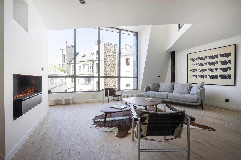 Apartment Paris rue de Liège