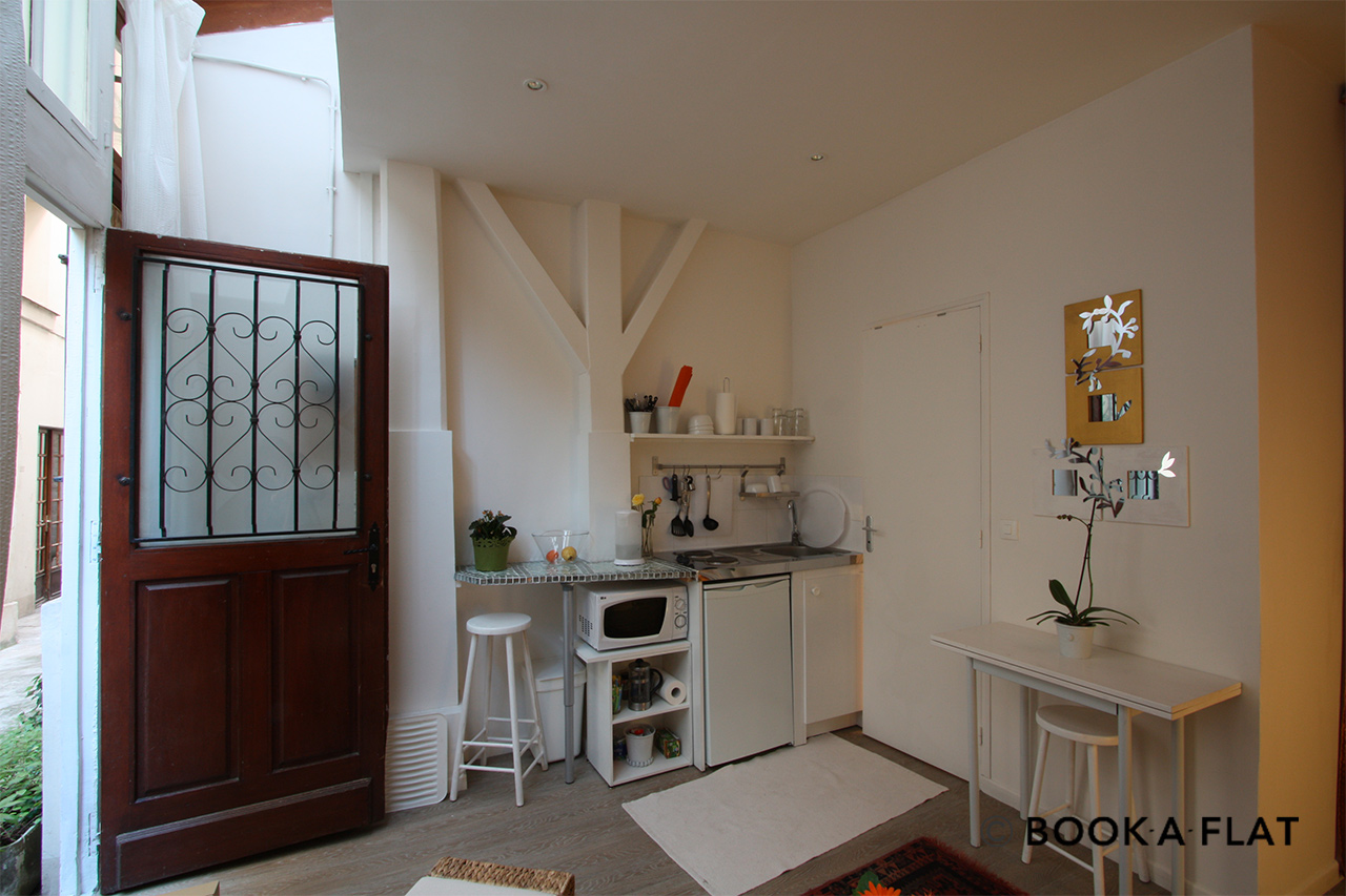 Apartment Paris Rue Saint Sauveur 4