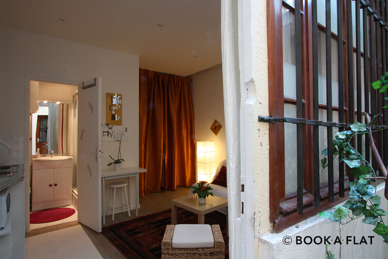 Paris Rue Saint Sauveur Apartment for rent