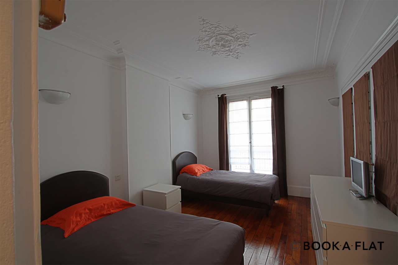 Apartment Paris Rue Barye 9