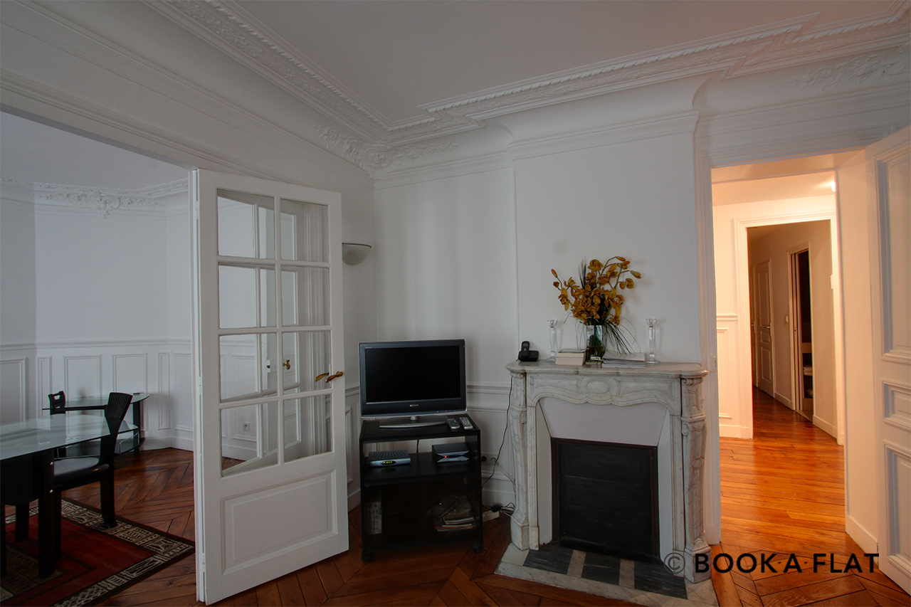 Apartment Paris Rue Barye 3