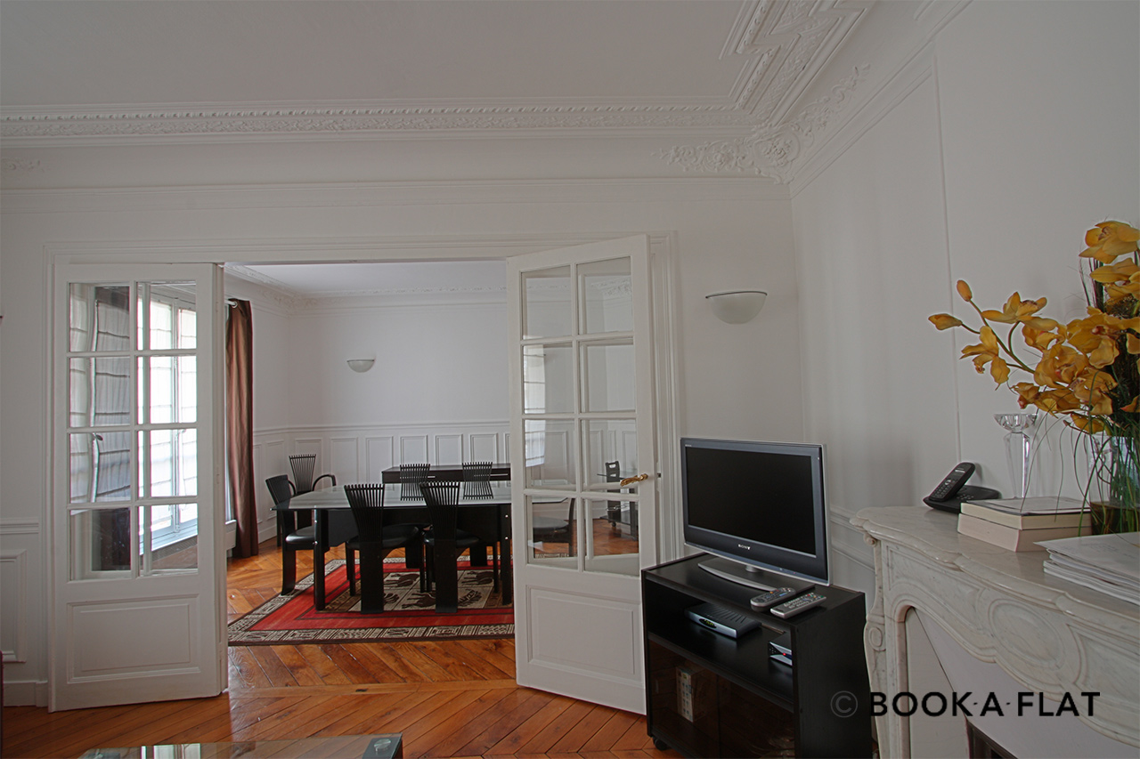 Apartment Paris Rue Barye 4