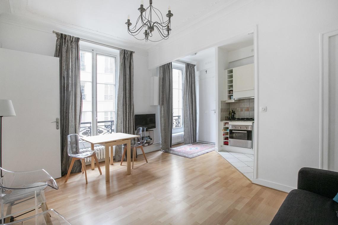 149 Rue Saint Honoré apartment for rent rue saint roch, paris | ref 18981