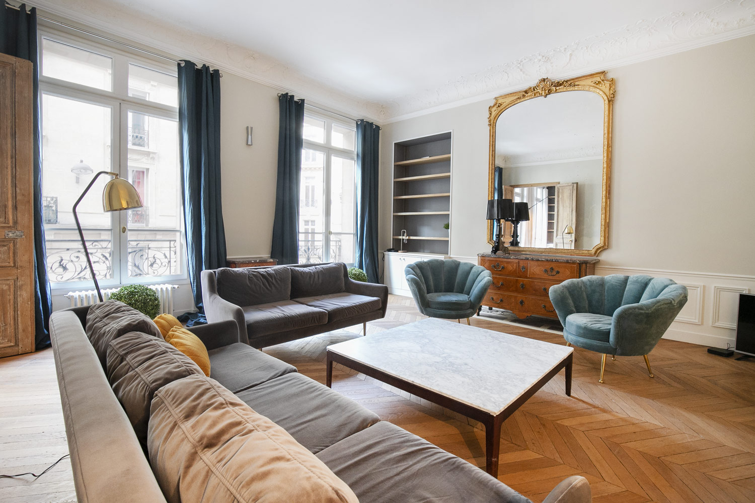 Apartment Paris rue Monceau