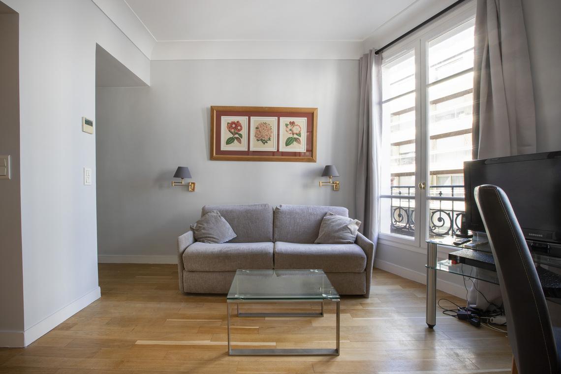 Location appartement meubl de 48 m2 rue d 39 odessa paris - Location chambre de bonne paris 16 ...