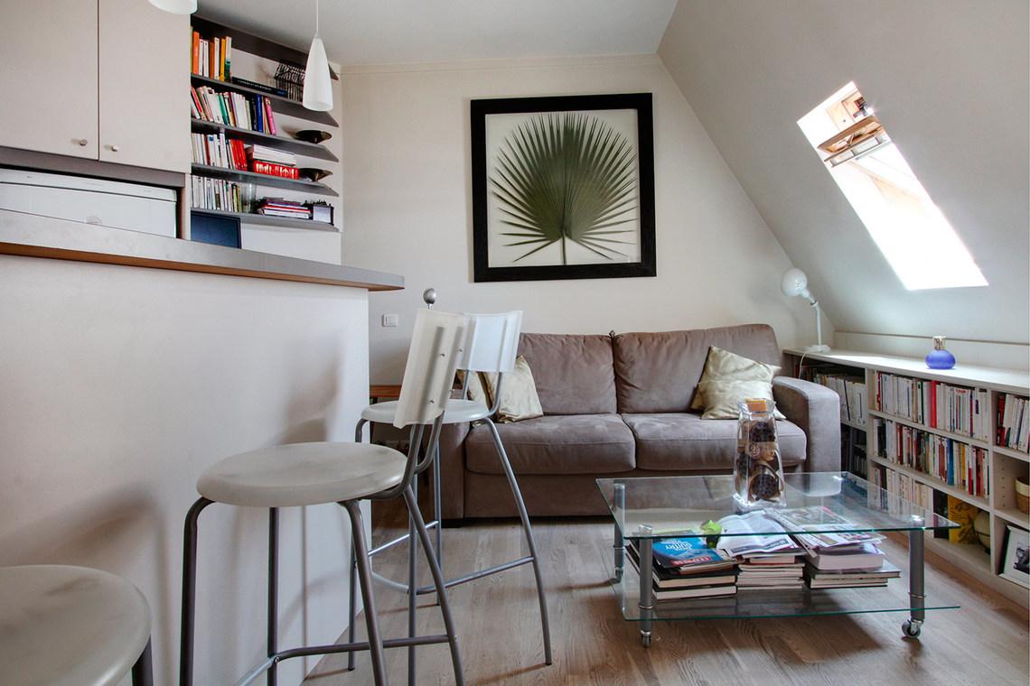 location studio meubl rue du commandant rivi re paris ref 2016. Black Bedroom Furniture Sets. Home Design Ideas