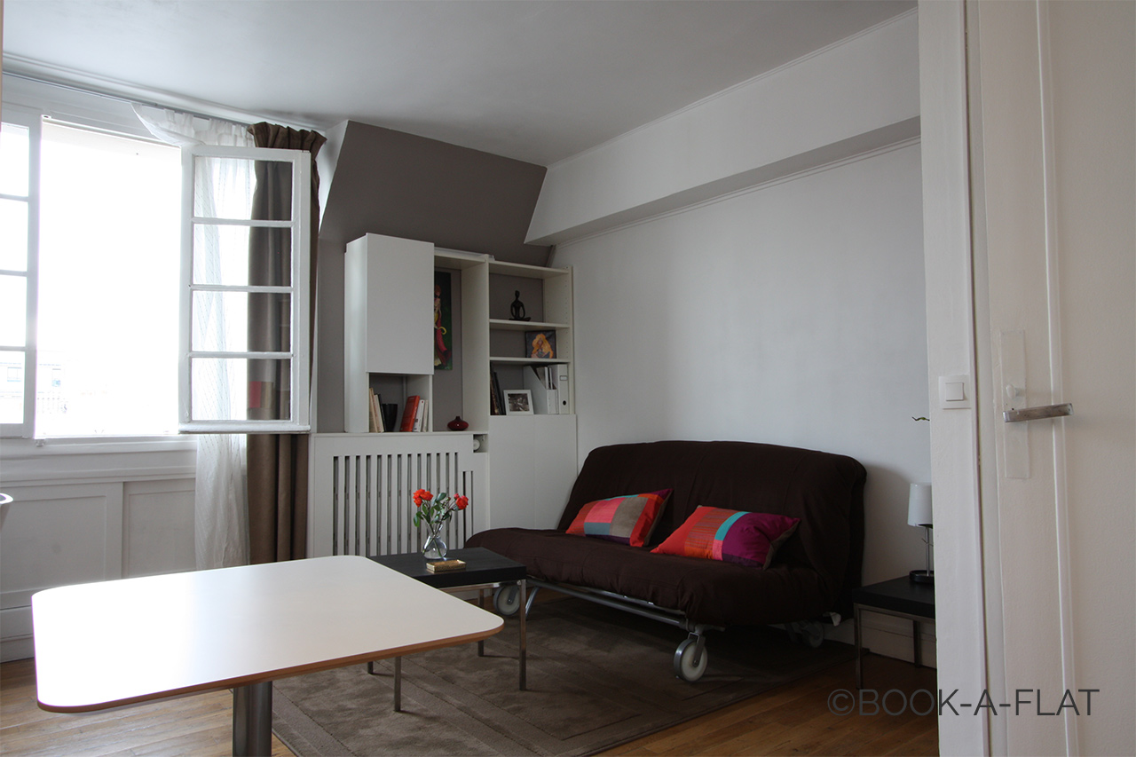 Apartment Paris Rue Jean-Jacques Rousseau 3