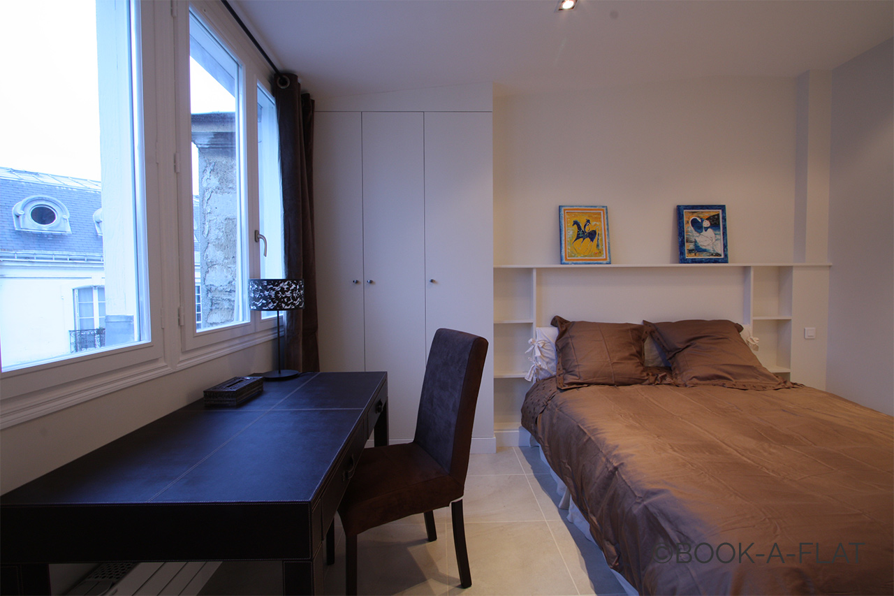Apartment Paris Rue de Longchamp 7
