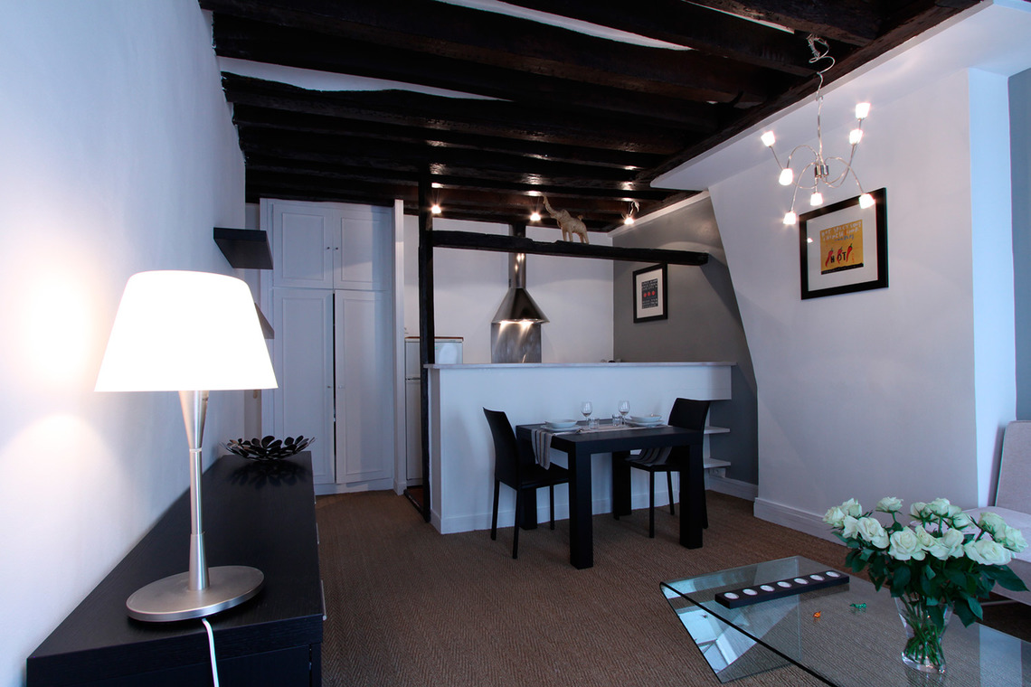 Apartment Paris Rue Mandar 3