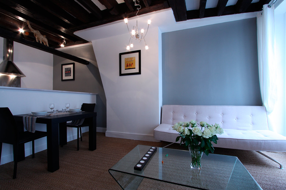 Apartment Paris Rue Mandar 2
