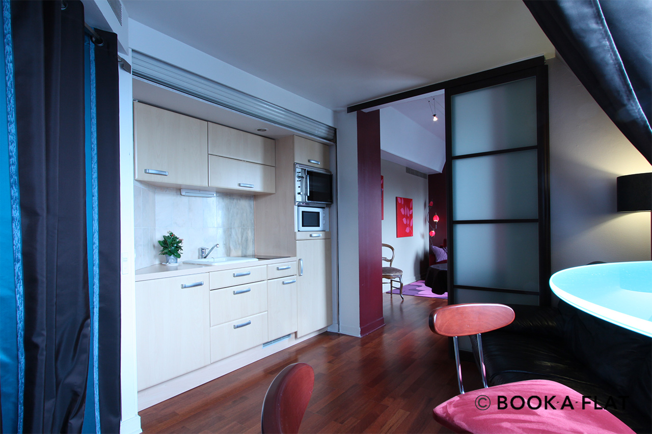 Apartment Paris Rue de Paradis 7