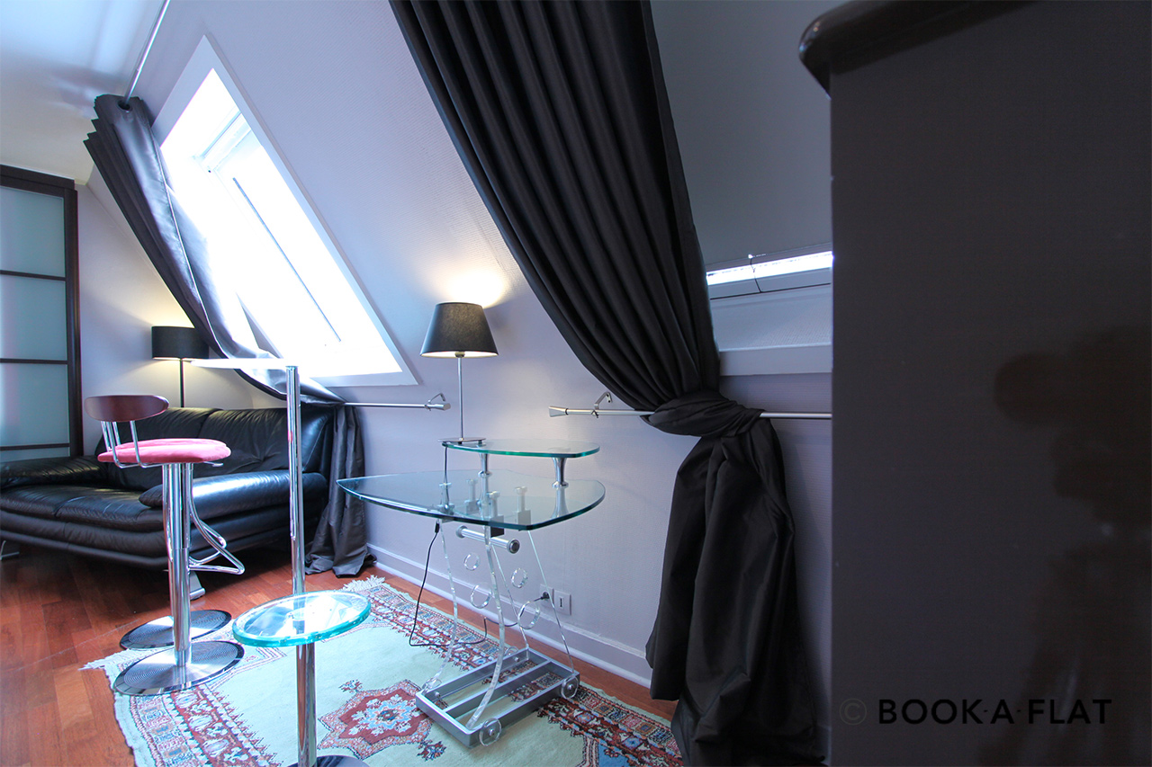 Apartment Paris Rue de Paradis 8