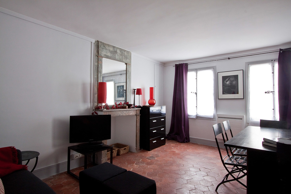 Paris Rue de Grenelle Apartment for rent