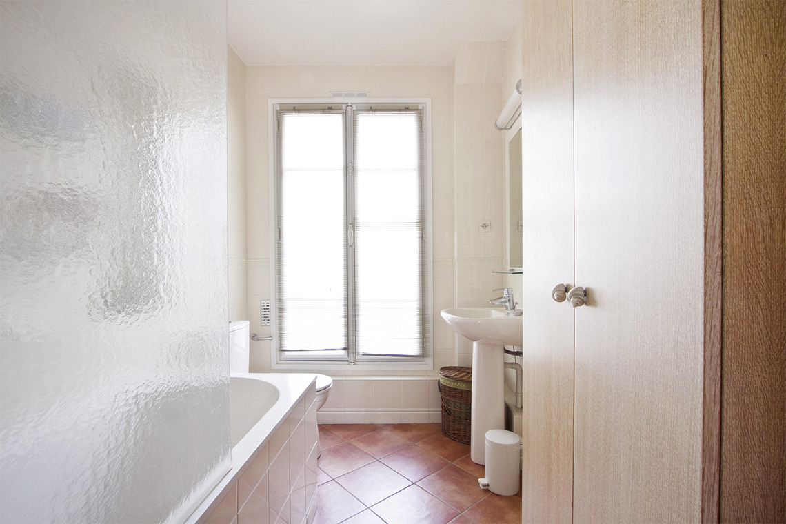 Apartment Paris Rue Chapon 12