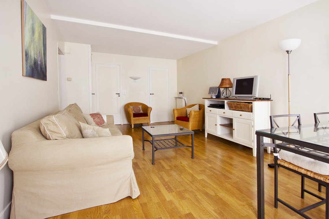 Paris Rue Chapon Apartment for rent