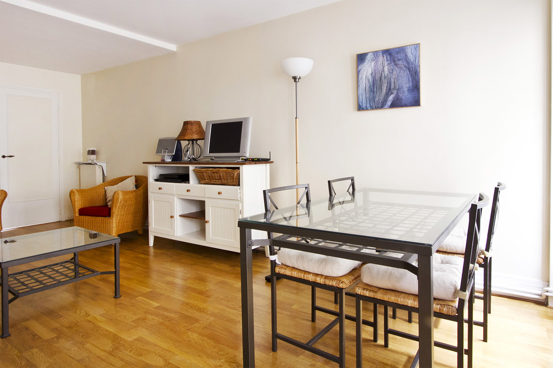 Apartment Paris Rue Chapon 2